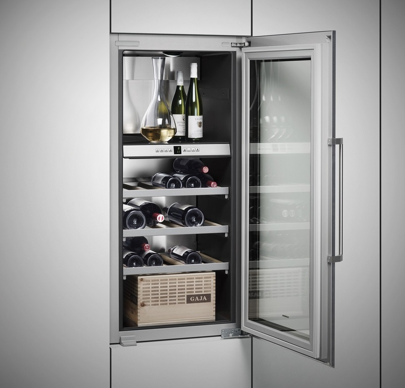 elettrodomestici gaggenau milano cantinette per il vino. Black Bedroom Furniture Sets. Home Design Ideas